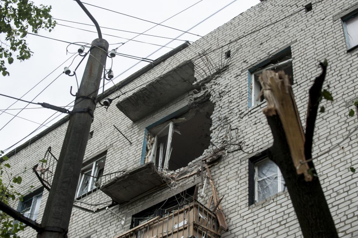 Poničený dům po bojích ve Slavjansku