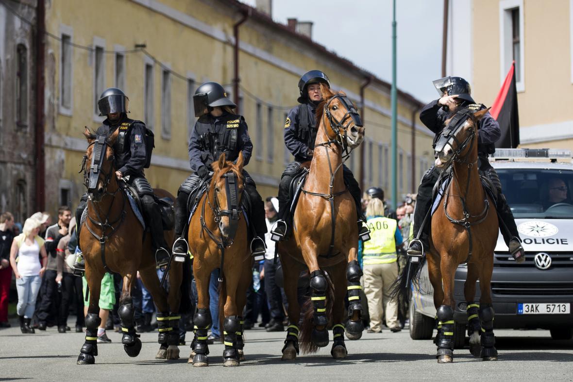Policejní cvičení v Josefově