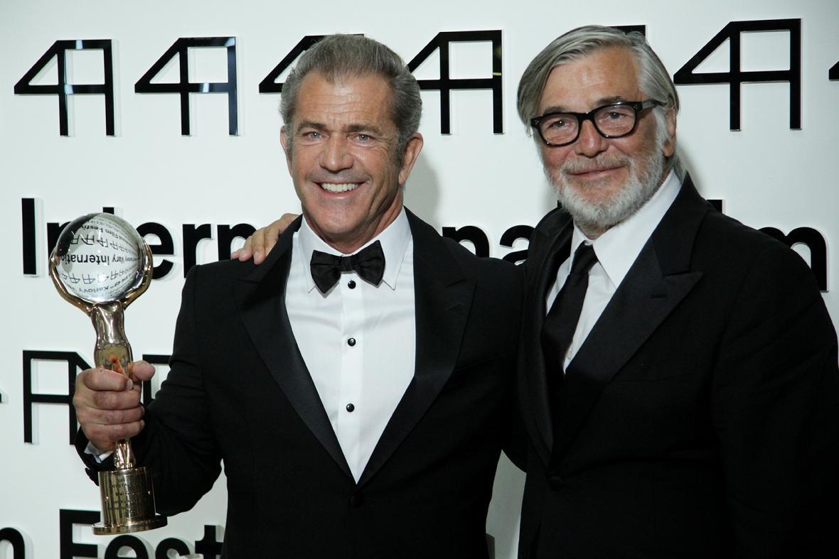 49. MFF Karlovy Vary: Mel Gibson a Jiří Bartoška