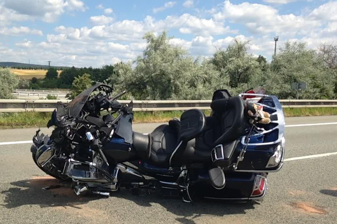 Řidič motorky skončil v nemocnici