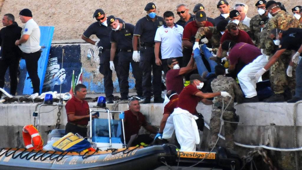Potopení lodi s uprchlíky u Lampedusy