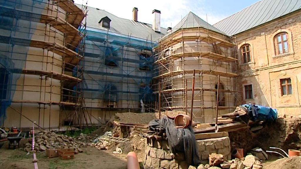 Rekonstrukce kláštera v Teplé