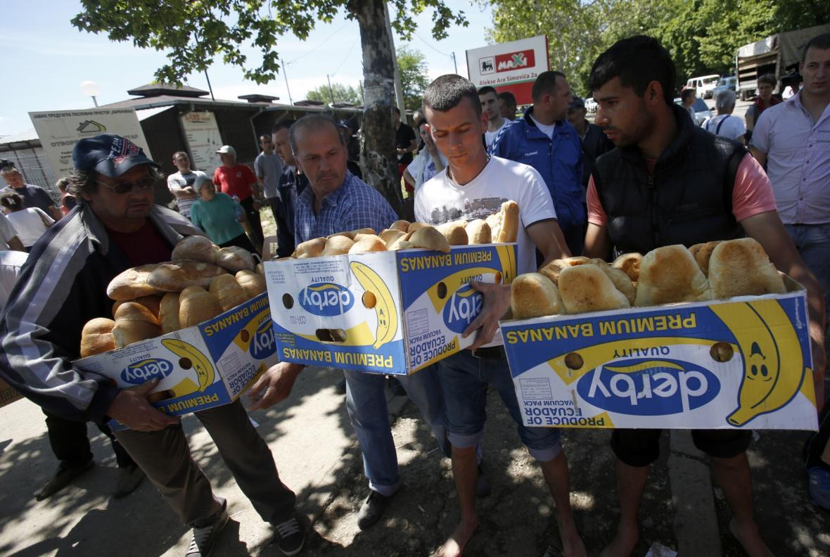 Humanitární pomoc pro obyvatele obce Obrenovac