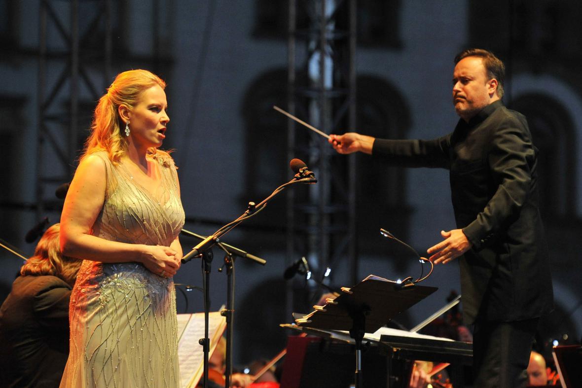 Elina Garanča s manželem Karlem Markem Chochinem