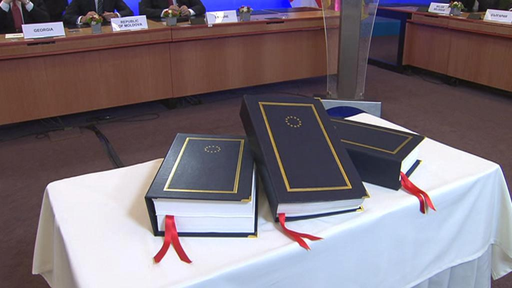 Ukrajina, Gruzie a Moldavsko podepsaly asociační dohodu s EU