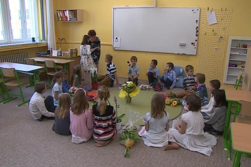 Rozdávání vysvědčení v Montessori třídě