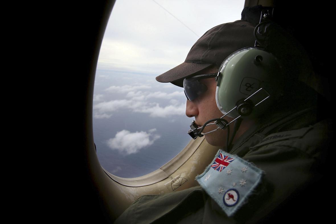 Pátrání po malajsijském letadle pokračuje