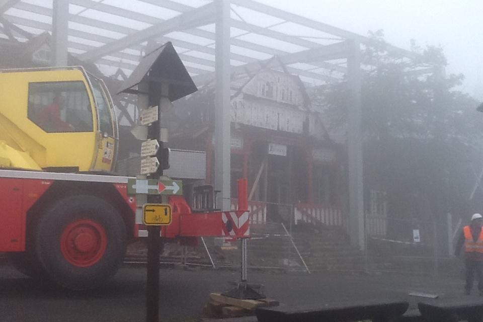 Provizorní střešní konstrukce nad památkou Libušín