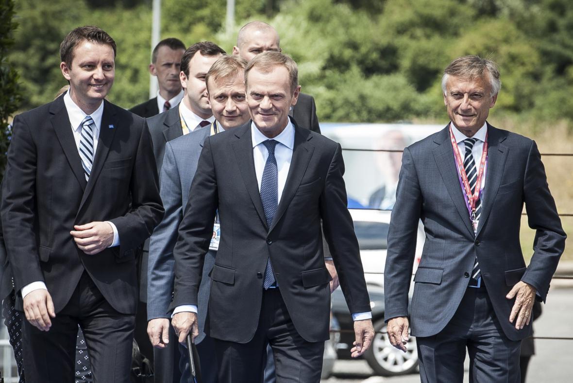Donald Tusk přijíždí na summit v Ypres