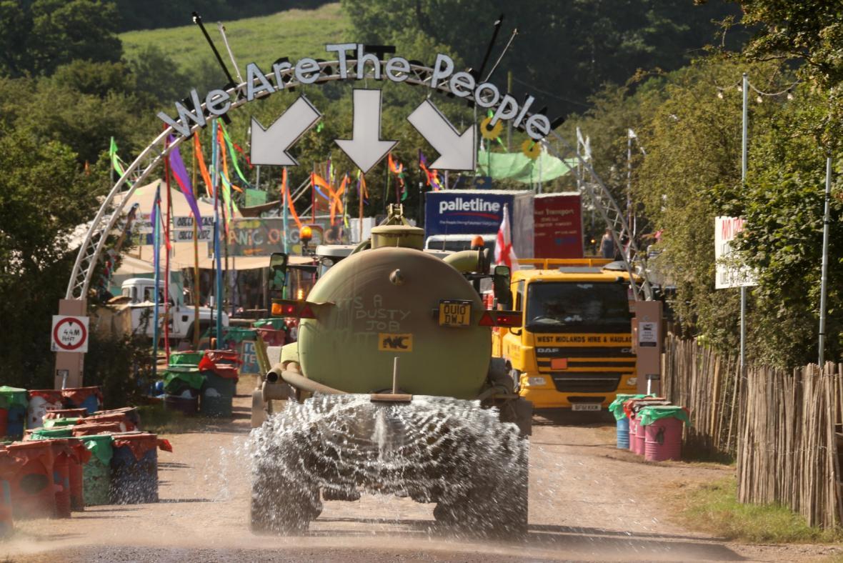 Přípravy na festival v Glastonbury