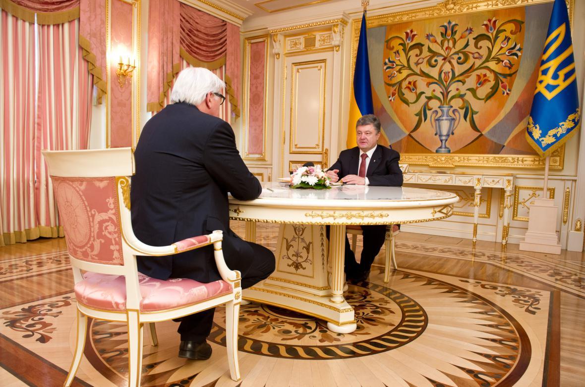 Frank-Walter Steinmeier a Petro Porošenko