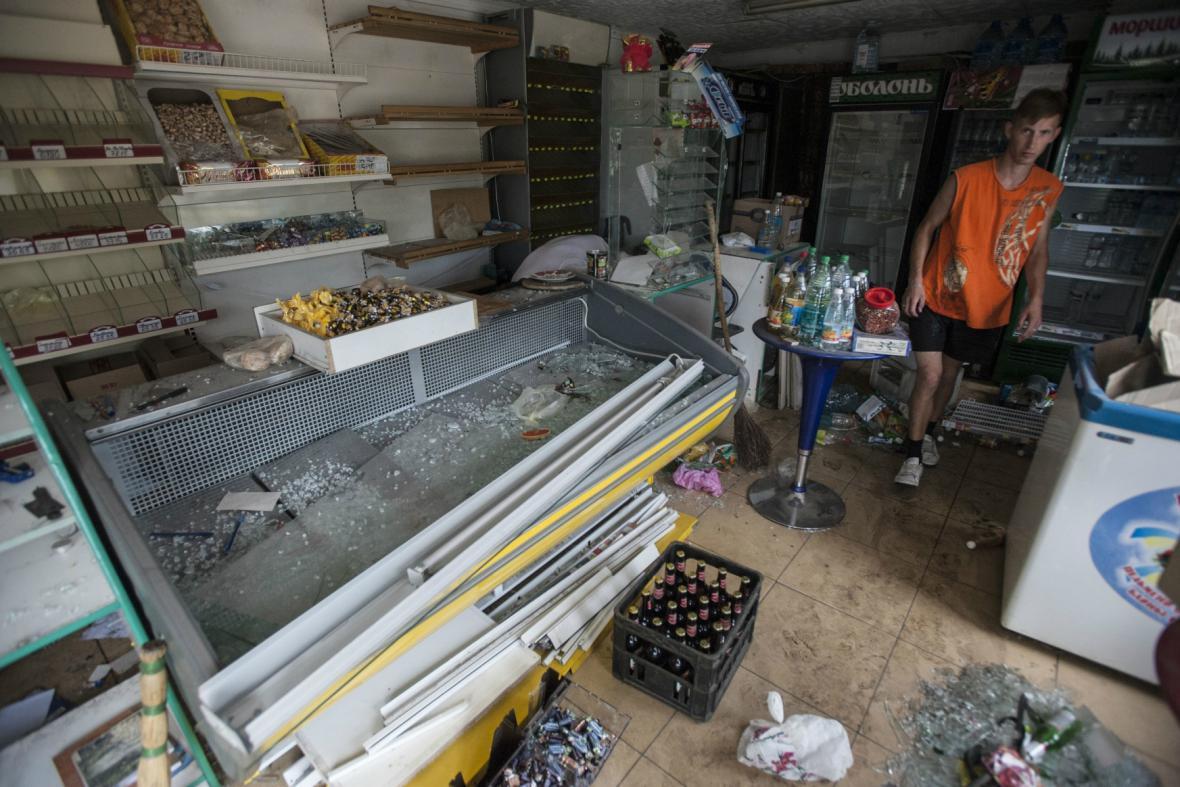 Slavjanský obchod s potravinami dostal při bojích zásah od ukrajinských vojáků