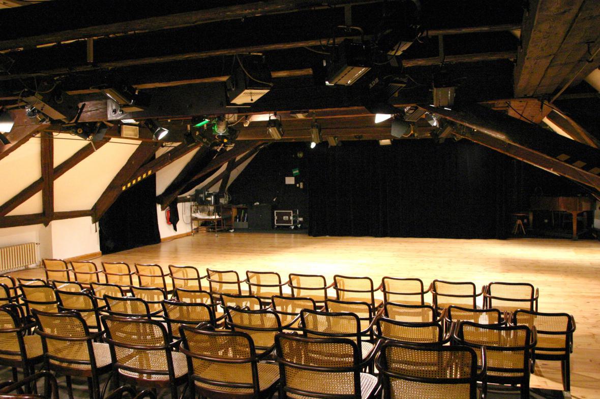 Scéna Národního divadla v Kolowratu