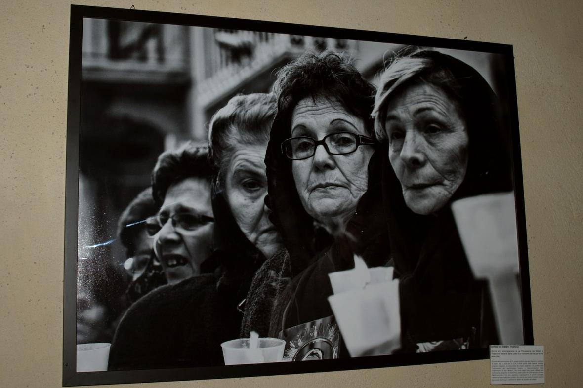Charley Fazio / sicilské ženy při procesí