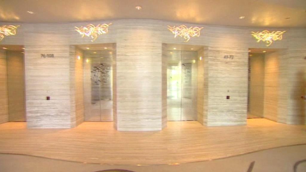 Výtahy ve věži Burdž Chalífa přepraví až 12 000 lidí denně