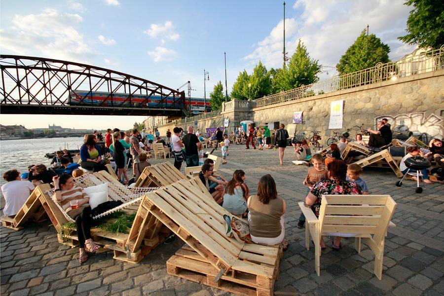 UrbanACT: instantní PARK, pražská náplavka (z výstavy Czechscape)