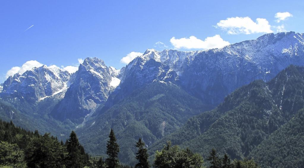 Masiv Kaisersgebirge poblíž Kufsteinu