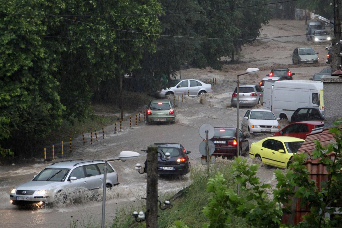 Povodně zablokovaly řadu ulic