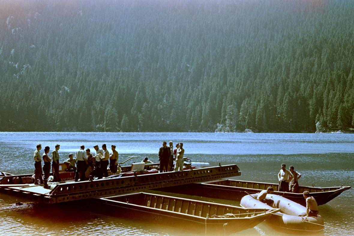 Průzkum šumavských jezer, kde StB zrealizovala nález nacistických písemností