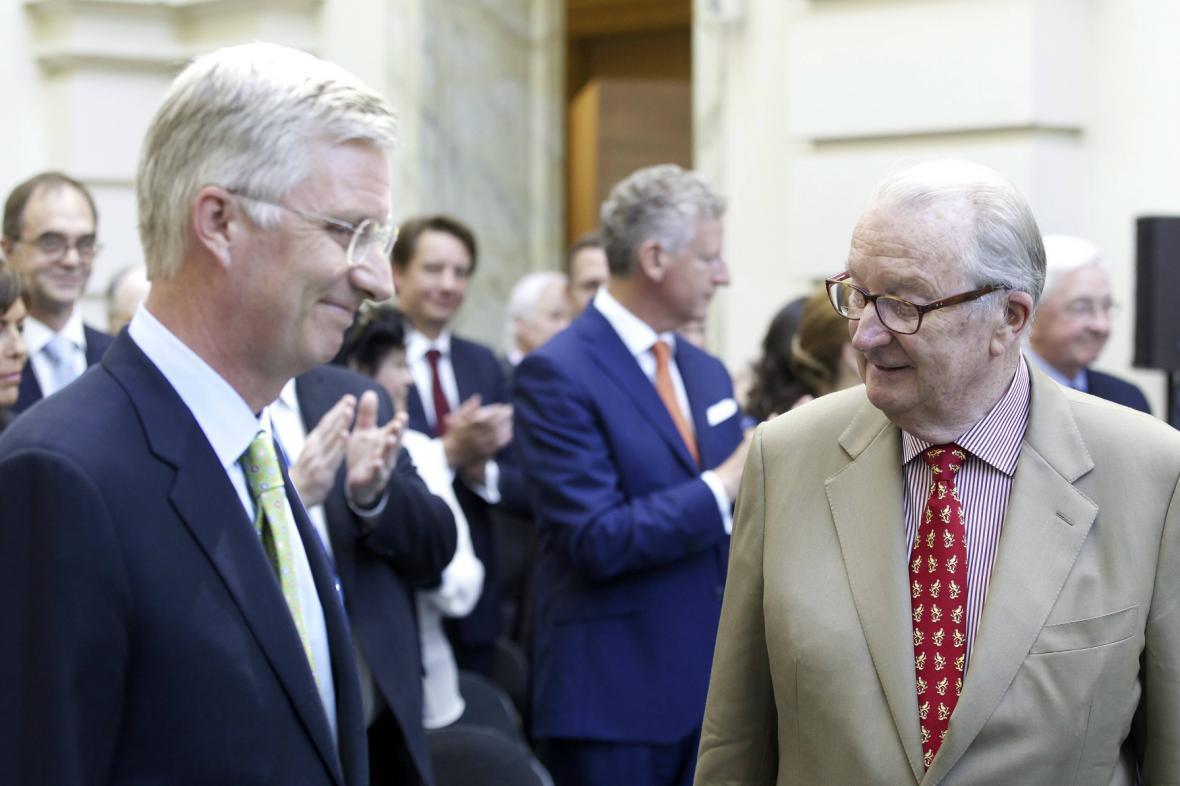 Belgický král Phillipe se svým otcem Albertem II.