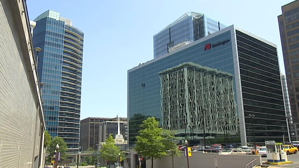 Okolí Watergate zaplňují moderní budovy