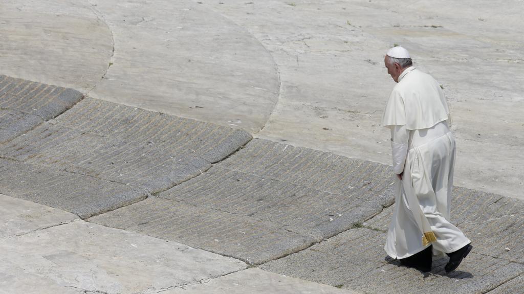 Papež František na Svatopetrském náměstí