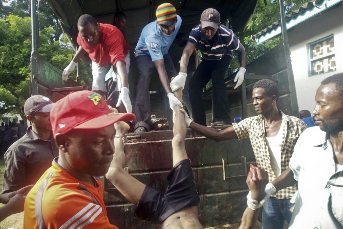 Ozbrojenci zabili v Mpeketoni desítky lidí