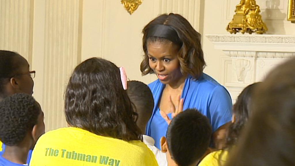 Michelle Obamová hostila zdravou stravou školáky