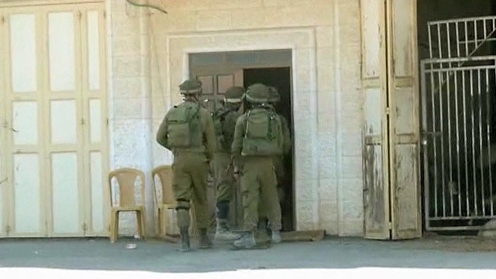 Izraelské bezpečnostní síly pátrají po trojici teenagerů