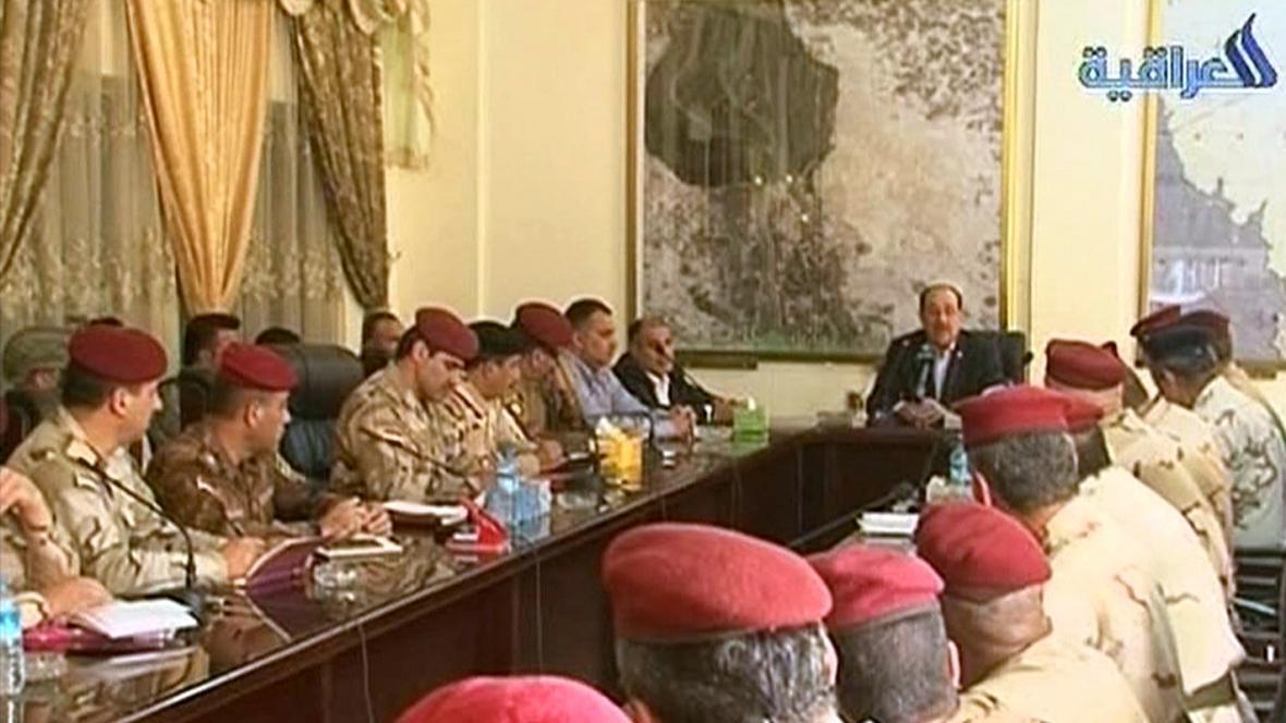 Núrí Málikí na schůzce s důstojníky v Sámaře