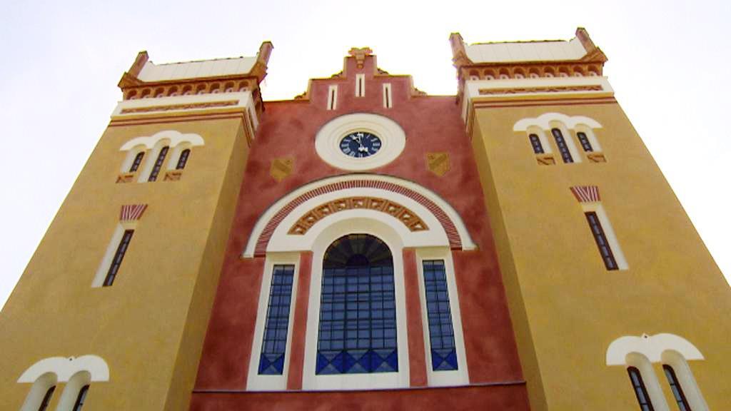 Novocerkevská synagoga v maurském stylu