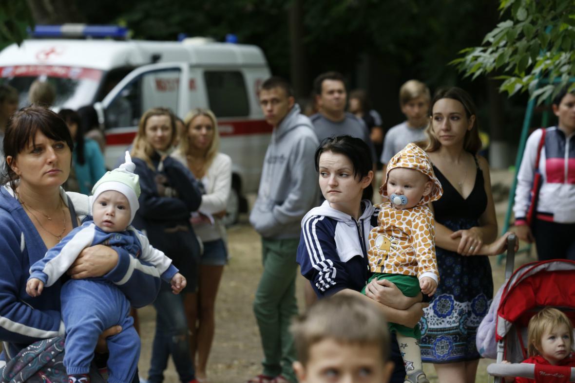 Uprchlíci v táboře u Rostova na Donu