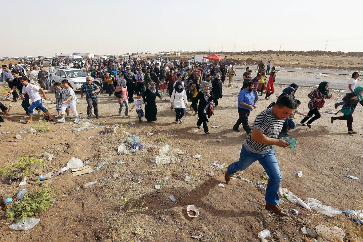 Půl milionu obyvatel Mosulu muselo utéct před boji