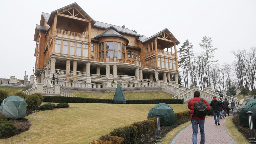 Jedna z četných staveb v obřím areálu Janukovyčova sídla