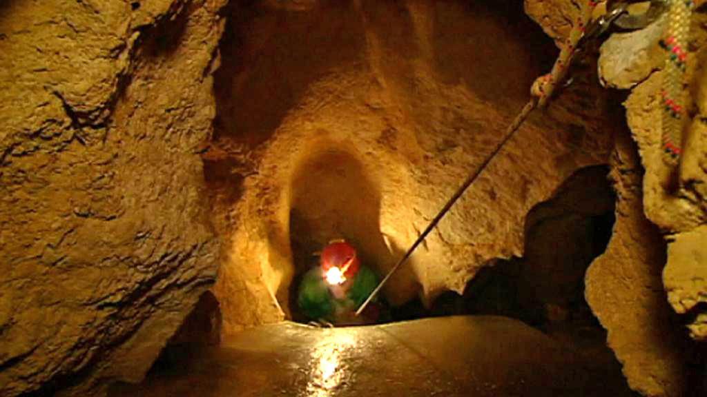 Záchranná akce v jeskyni Riesending-Schachthöhle