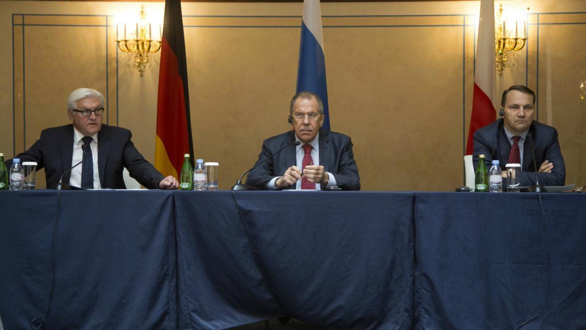 Steinmeier, Lavrov a Sikorski se sešli kvůli ukrajinské krizi