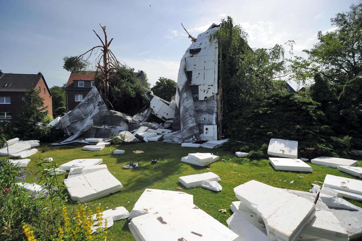 Zbytky střechy v Neussu