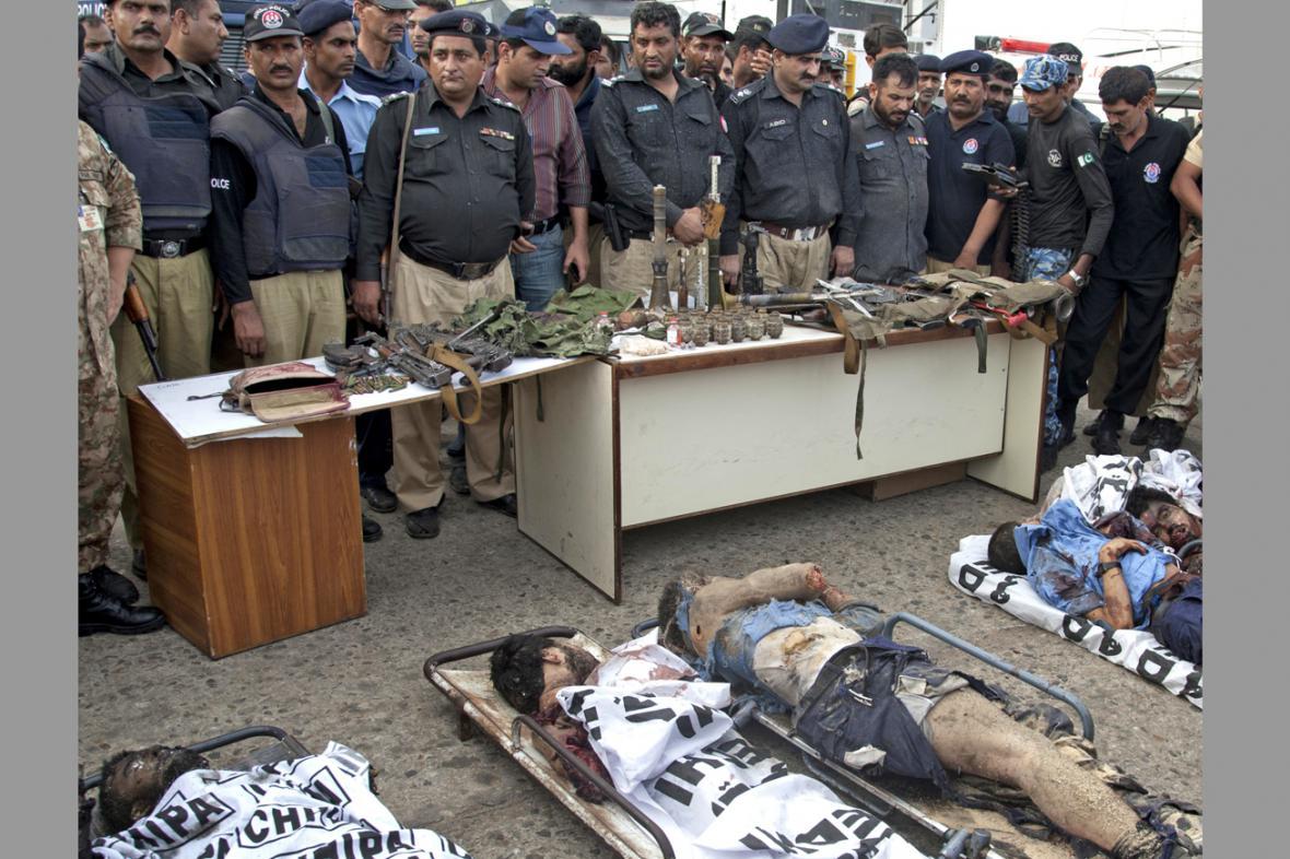 Teroristé, kteří zahynuli po útoku na letiště v Karáčí