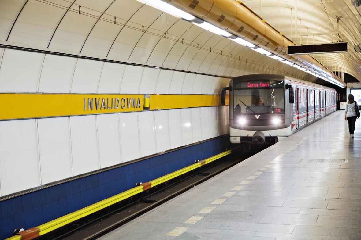Metro, trasa B