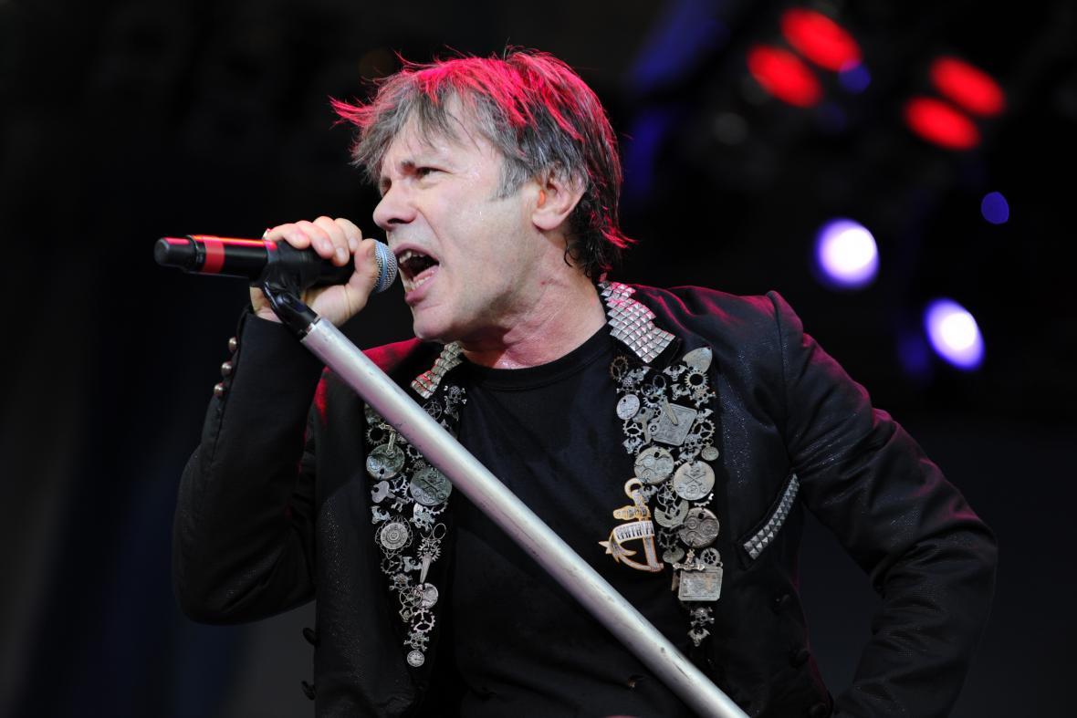 Zpěvák skupiny Iron Maiden Bruce Dickinson