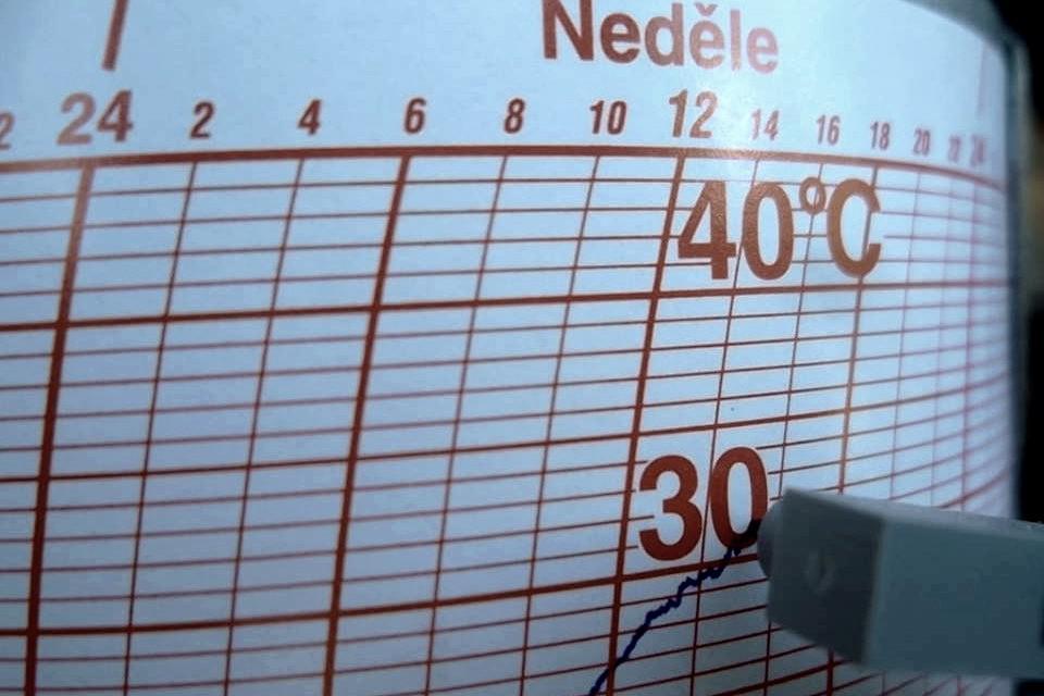 Teplota v Javorníku dosahovala ve 14:00 32 stupňů Celsia