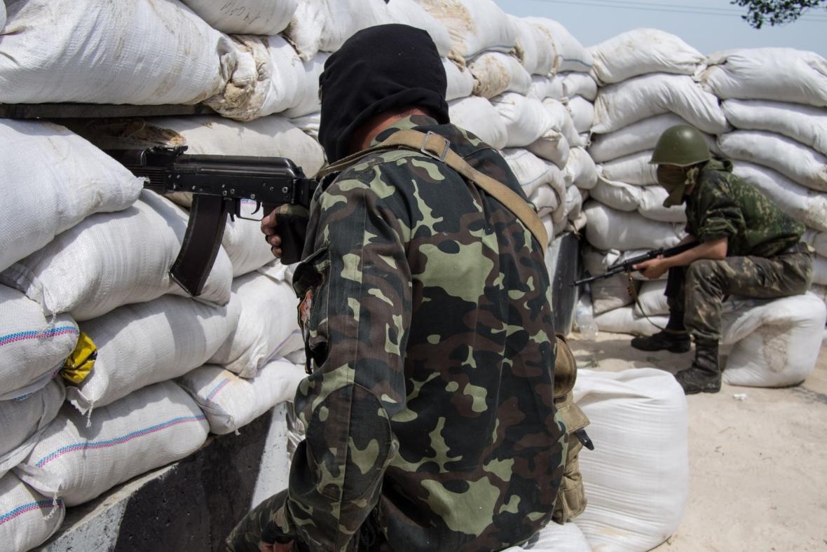 Ozbrojenci na východě Ukrajiny