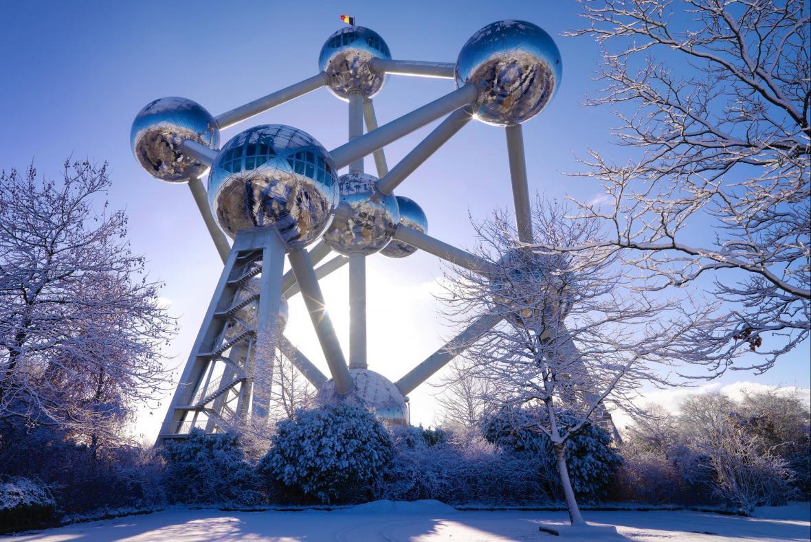 Atomium v zimě