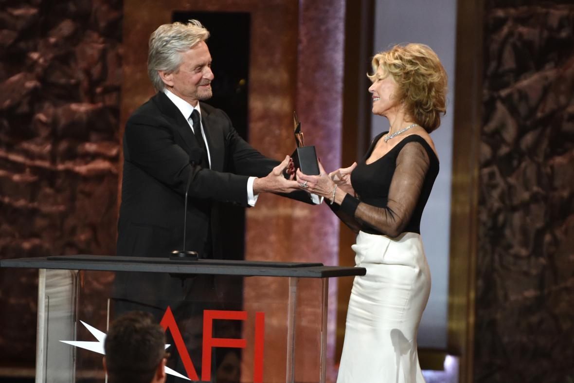 Michael Douglas a Jane Fondová