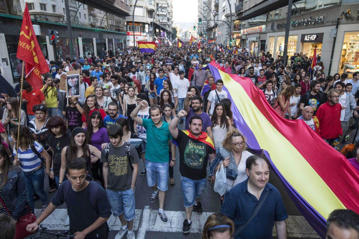 Demonstrace za konec monarchie ve Španělsku