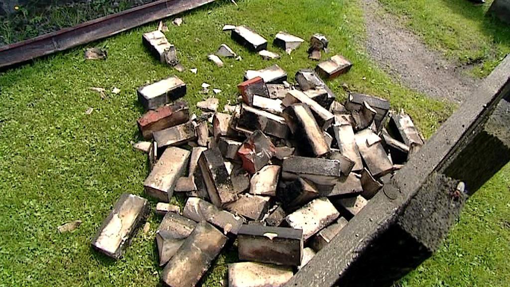 Následky zemětřesení na Chebsku