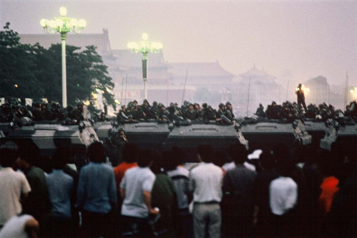 Zásah čínské vlády na náměstí Nebeského klidu (Tchien-an-men)