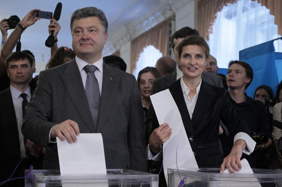 Petro Porošenko odhlasoval spolu s manželkou