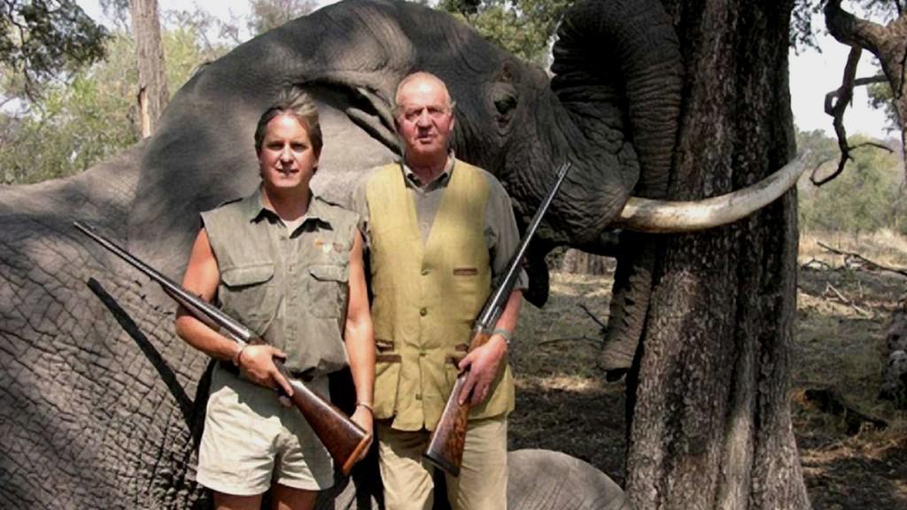 Juan Carlos I. na lovu slonů v Botswaně