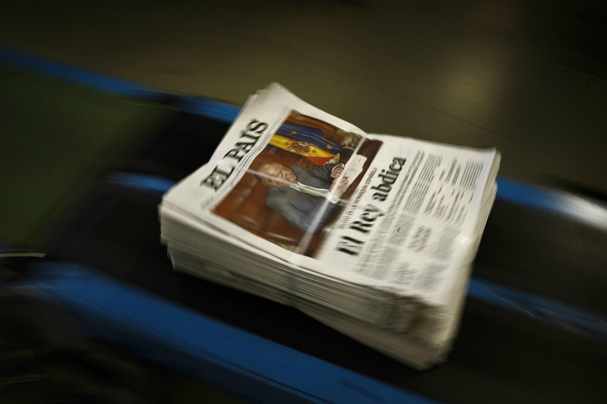 Speciální vydání deníku El País o abdikaci Juana Carlose